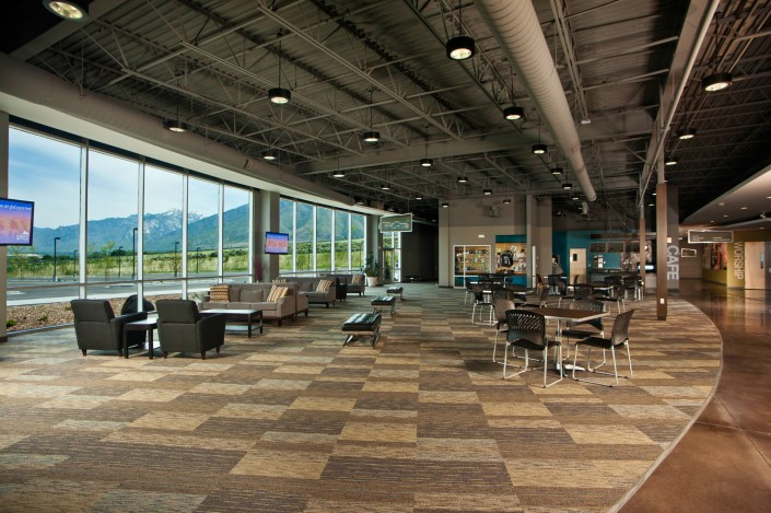 batten-shaw-cafeteria-interior-architechture-south-mountain-community-church-utah