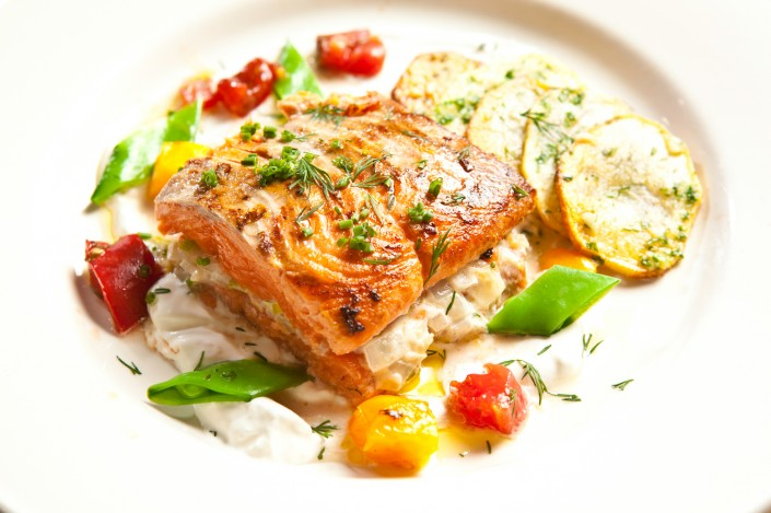 salmon-beaujolais-reno-nevada-bistro-dining-drink-food
