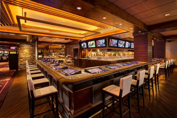 casino-bar-nightlife-drinks-fun-