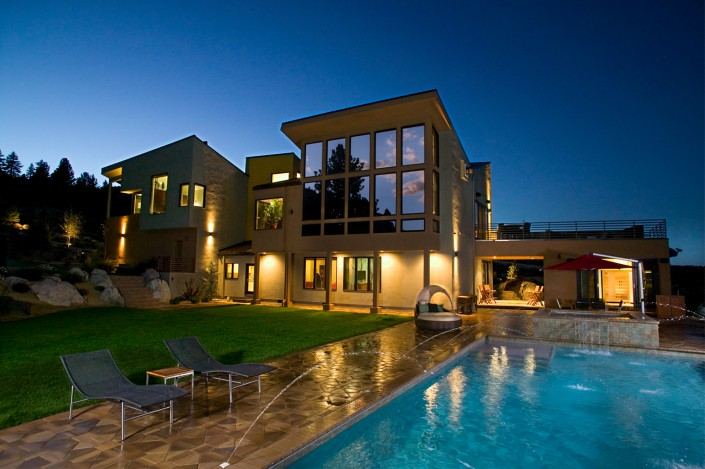 hillyard-residence-home-custom-architechture-exterior-twilight-frank-haxton
