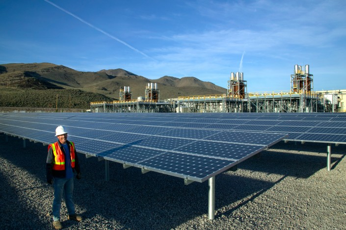 editorial-solar-panels-plant-patrick-nevada-digiman-studio