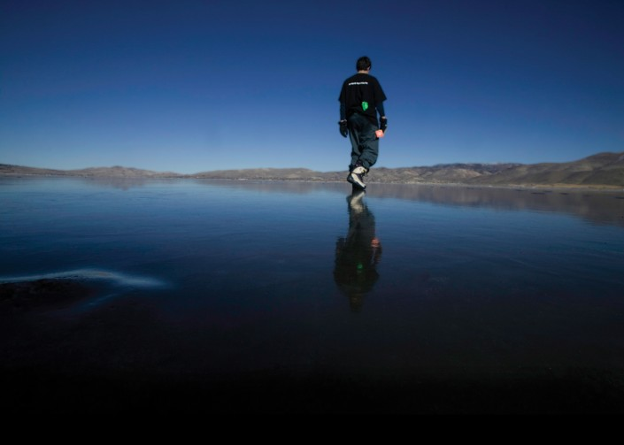 washoe-lake-nevada-frozen-walking-on-water
