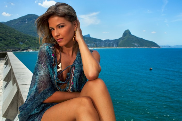 brazil-model-portrait-fashion-beach-bota-fogo