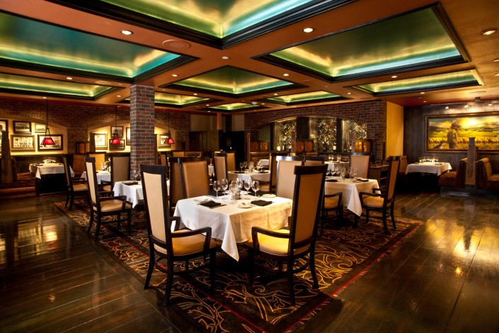 steakhouse-interior-dining-wine-restaurant-photography-reno