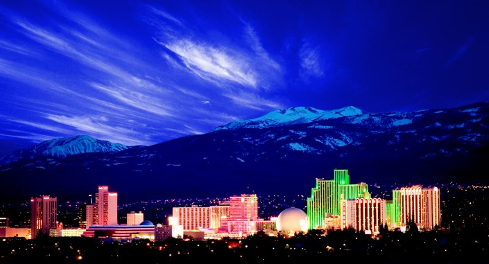 reno-skyline-nevada-mountains-downtown