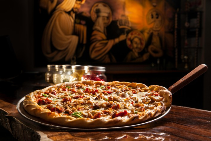 nobel-pie-parlor-pizza-wings-reno-downtown-restaurant-bar