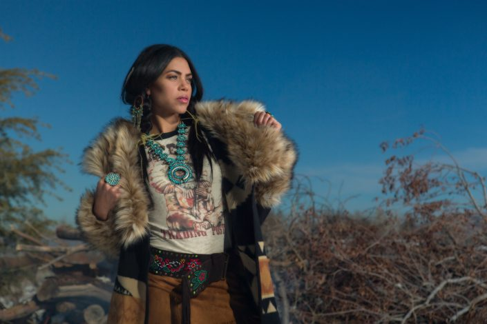 photography-digiman-commercial-buisness-reno-outdoor-winter-snow-model-native-american-furcoat-jewlery-homemade-concept-