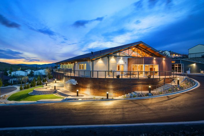 photography-digiman-commercial-buisness-reno-exterior-evening-step2-building-architecture-